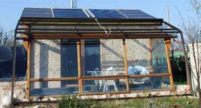 Dall umbria ecco l eco casa senza contatori senza utenze - Casa ecologica autosufficiente ...
